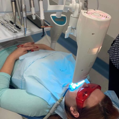 KURS - ''Stomatologia estetyczna - nowoczesne systemy wybielania zębów procedura-zabiegu - warsztaty''
